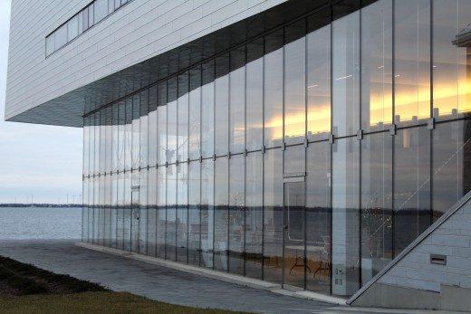 از چه نوع شیشه ای در نماسازی با شیشه استفاده می شود