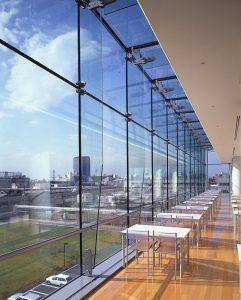 اجرای نمای شیشه ای - نمای ساختمان
