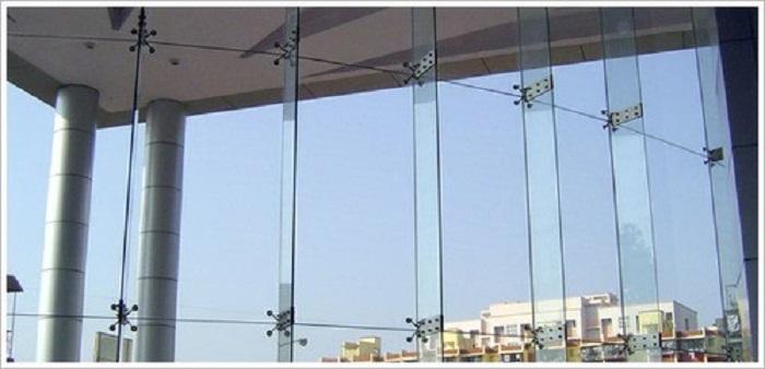 طراحی نمای شیشه ای اسپایدر